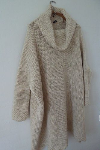 Love the look of this cozy modern neutral: poncho free pattern by Ulla Roejkjaer