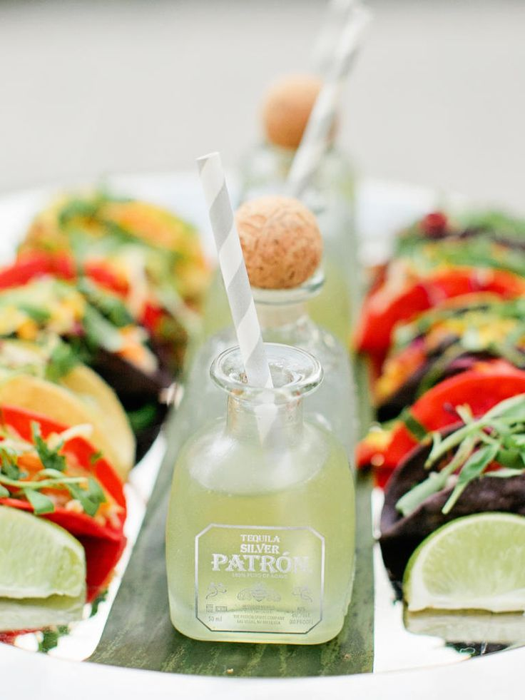 8 Hot New Wedding Food Trends For 2016 | TheKnot.com