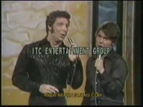 RAPHAEL & Tom Jones - Jinetes en el cielo.. INCREIBLE