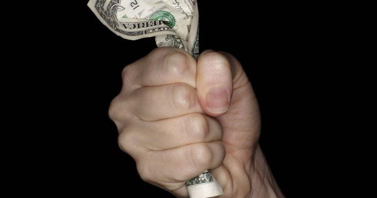 Cómo calcular el poder adquisitivo . El poder de compra refleja el valor relativo del dinero. Este indicador mide cuánto se puede comprar con una unidad de dinero, y no sólo el valor declarado. Determina los efectos de la inflación sobre el dólar. En otras palabras, un billete de US$5 en el año 1970 servía para comprar muchos más productos que uno de US$5 hoy en día. La Oficina de ...