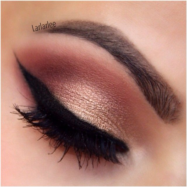 toofaced chocolate bar palette - salted Carmel in crease transition shade -creme brûlée on lid -cherry cordial in crease and lower lash line -haute chocolate in outer V and lower lash line Champagne truffle on brow bone and inner corner