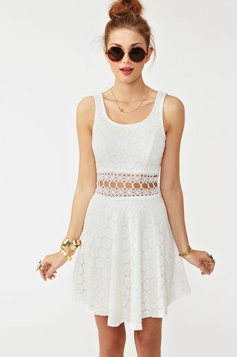 love: Summer Dresses, Open Circles, Circles Dresses, Summer Outfits, Nasty Gal, Cut Outs, Style Clothing, Circle Dress, Lace Dresses