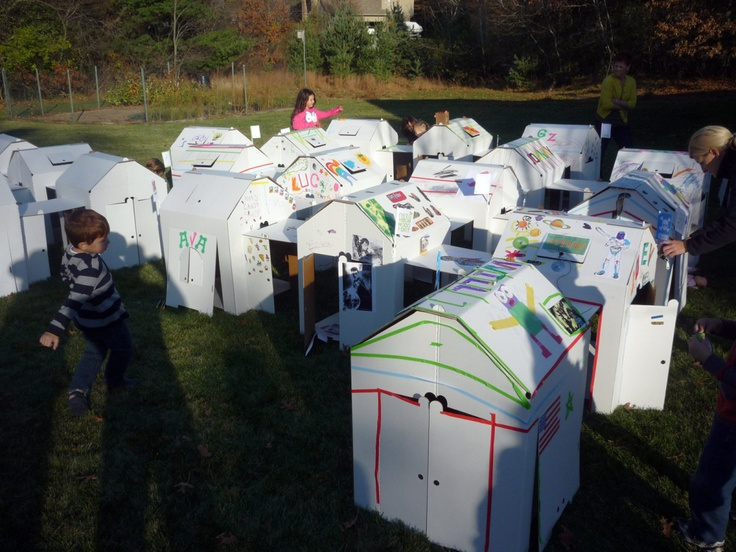 Express yourself event - kids decorated their Fort Cube's with their favorite things! #fort