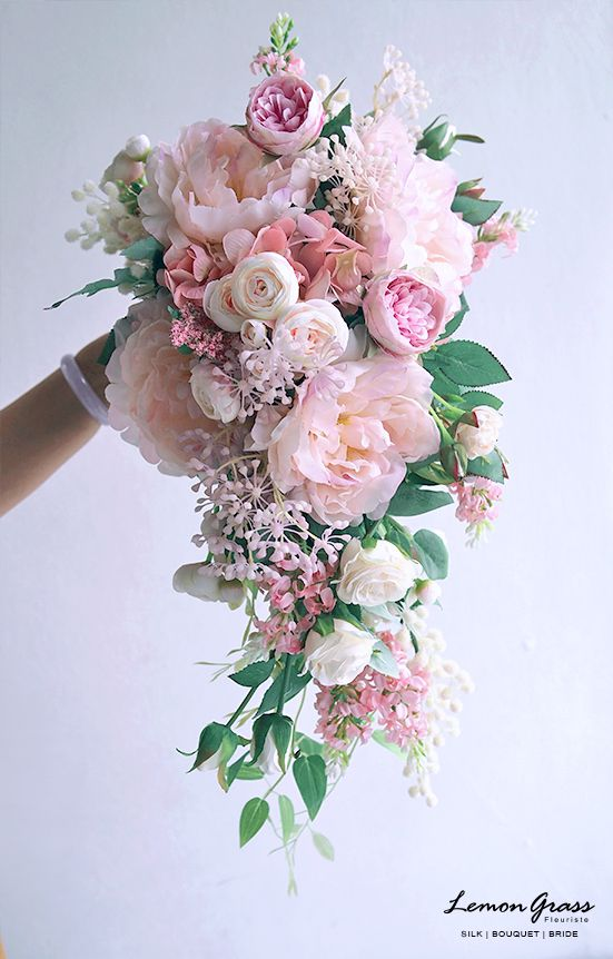Bridal bouquet in the prettiest of pink #pinkbridalbouquet #weddingbouquet