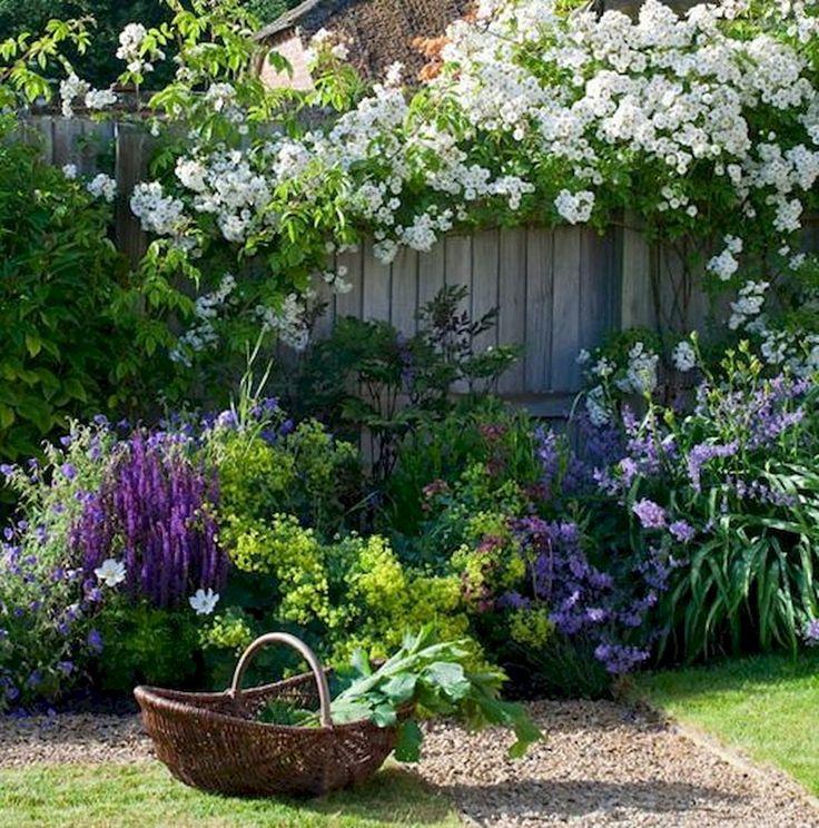 30 beautiful small cottage garden design ideas for backyard inspiration - Natrliche Hickory Holzbden