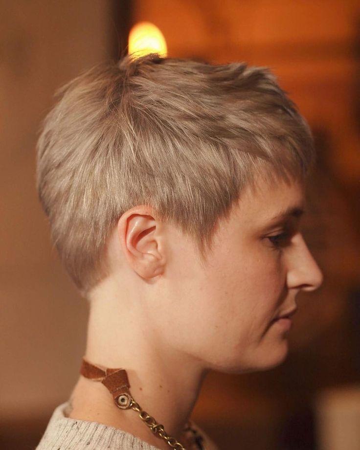 Smokey silver #blondehair #behindthechair#modernsalon #blondme #shorthair #shorthair_love #shorthairdontcare#perthhairdresser #ショートヘア #海外美容師#シルバーヘア#ベリーショート