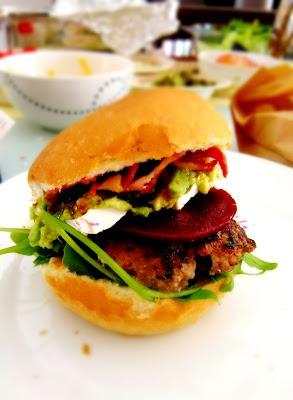 Australian F1: Gourmet burgers | Seasons Eat-ins & Feelins