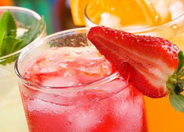 Drinks/Juomat: Strawberry lemon drink/mansikka-sitrusjuoma