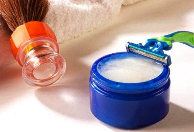 Confira as dicas que +40BC selecionou para facilitar o barbear, o aparo da barba e manter a pele protegida mesmo no inverno.  #barba #cuidadosmasculinos #cuidadospessoais #grooming