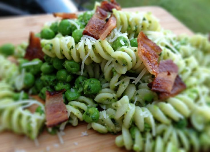 Pea Pesto Pasta with Parmesan and Bacon