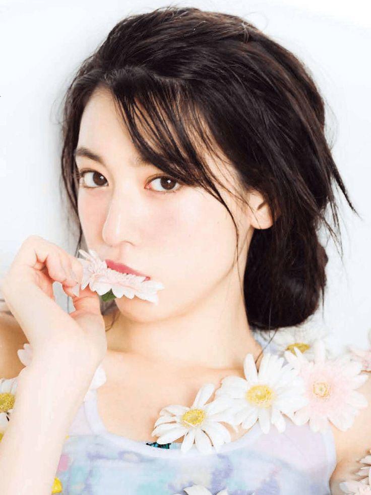 ペタシ: kaochusin:   Seventeen 2016年1月号  三吉彩花ちゃんのアップ ...