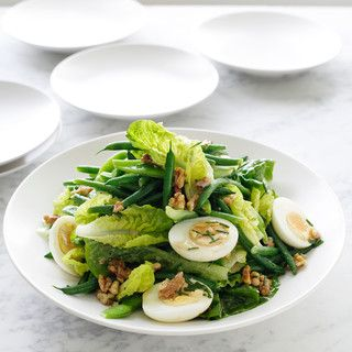 repas Salade : haricots verts/oeufs durs/salade/noix/huile d'olives