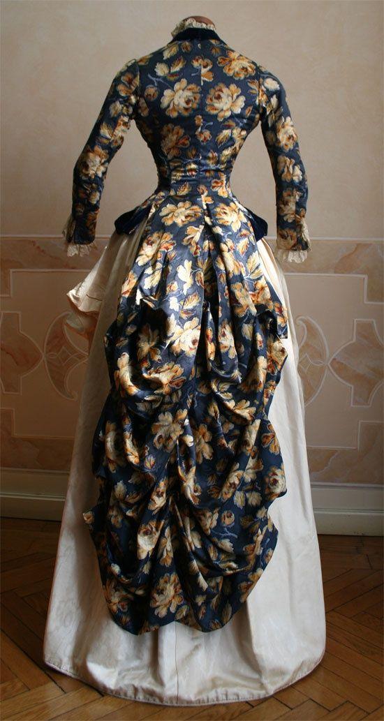 Such beautifujl colors!  http://loveisspeed.blogspot.co.uk/2013/03/the-art-of-dressing1800s-fashion.html?m=1