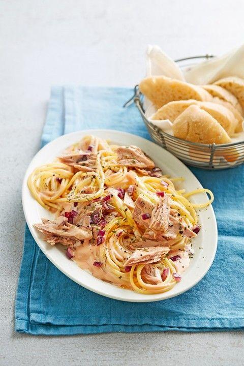 Spaghetti mit Thunfisch - Sahne - Soße, ein raffiniertes Rezept aus der Kategorie Kochen. Bewertungen: 169. Durchschnitt: Ø 4,5.