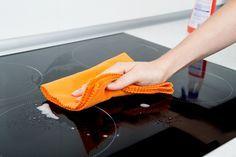 Ceranfeld reinigen - Die Flecken und Verschmutzungen möglichst schnell entfernen
