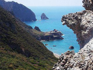 Isola di Palmarola - vista panoramica della costa occidentale dell'isola | da Lorenzo Sturiale