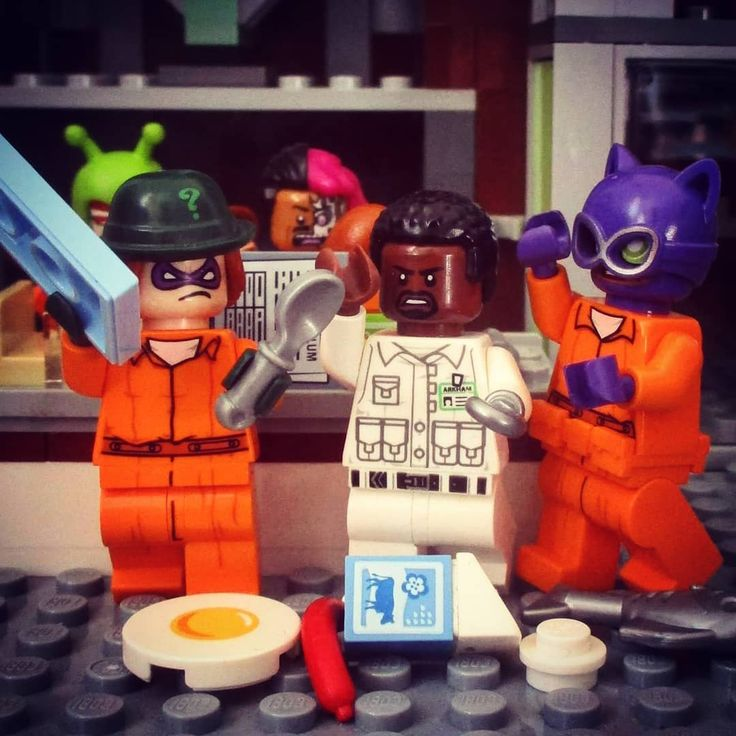 There's a food fight in Arkham! theriddler riddler