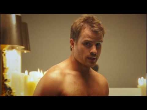 Robert Kazinsky describing the clocks going back.. and if ya don't understand. oh well.. it's robert kazinsky getting in a tub.. why do you need to understand. =]