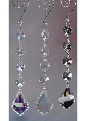 Create sparkling decorations with this glass garland with gemstone drop crystal bead. Hang these on your table centerpieces, archways, chairs, vases, chandelier