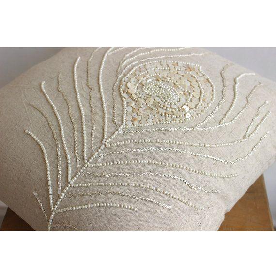 Les 25 meilleures id es concernant couvre canap sur for Coussin decoratif pour canape