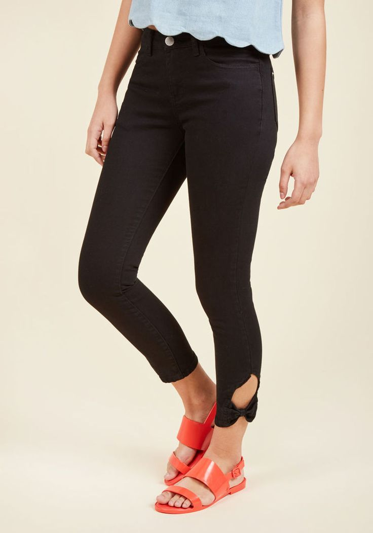 Happy Place Skinny Jeans in Black