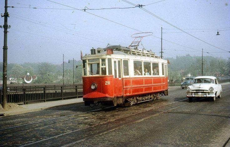 Haydarpaşa Köprüsü Üzerinde Tramvay / 1965 http://ift.tt/2dDsFHe