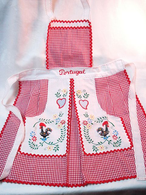 Vintage Apron ~ Barcelos Rooster from Portugal