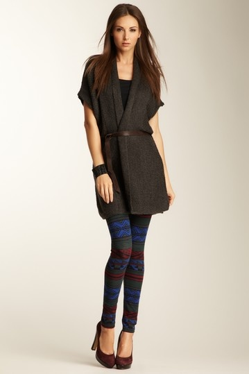{tribal print legging} Dex - love the entire outfit!