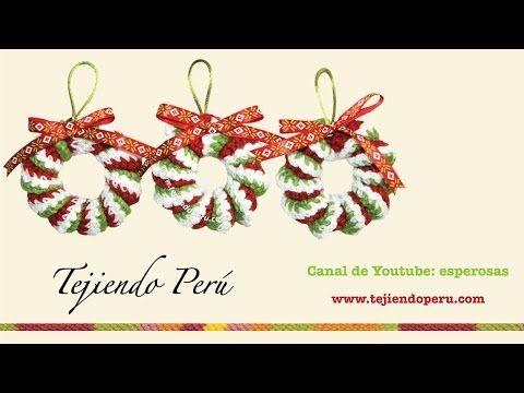 ▶ Coronas de Navidad hecha de resortes tejidos a crochet - YouTube