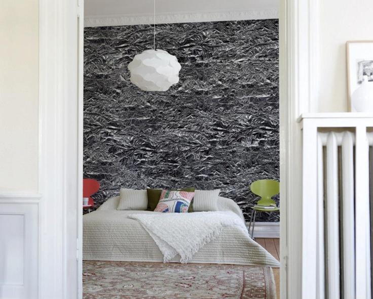 Sammenkrøllet folie har du neppe sett på noen vegg før. Mr Perswall, Borge.