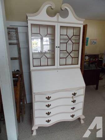Vintage Secretary Desk >> 25+ best ideas about Antique secretary desks on Pinterest | Secretary desks, Painted secretary ...