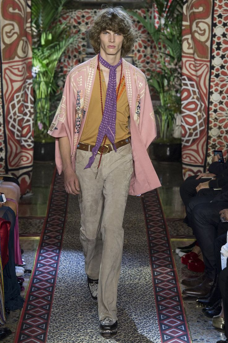 Roberto Cavalli - Spring 2017 Ready-to-Wear