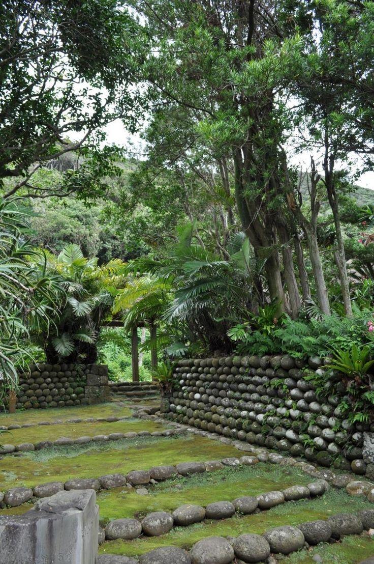 玉石垣が残る昔ながらのエリア「ふるさと村」八丈島の見所!
