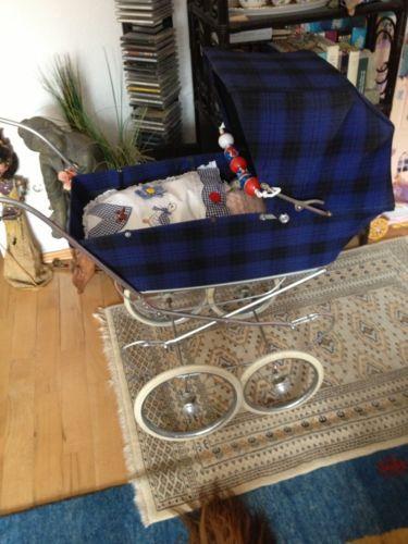 Nostalgie-Puppenwagen-der-franz-Firma-Aubert