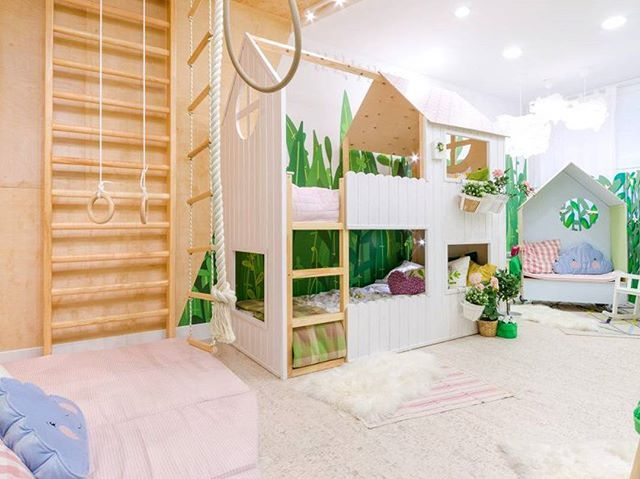 Мечта любого ребёнка - комната с элементами декора в виде домика на дереве, в котором живет собственный мир, созданный фантазией, и конечно же стенка для спортивных упражнений чтоб было куда девать избыток энергии.  #икеа #икеадоставка #икеаукраина #икеадом #праздник #скидки #ikeagroup #дом #дизайн