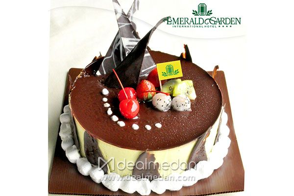 Celebrate Your Big Day With Special Cake From Emerald Garden Doux Patisserie