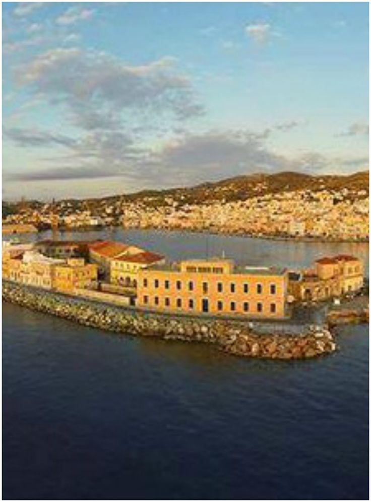 φθάνοντας στο λιμάνι, Σύρος- reaching Syros Port, Greece