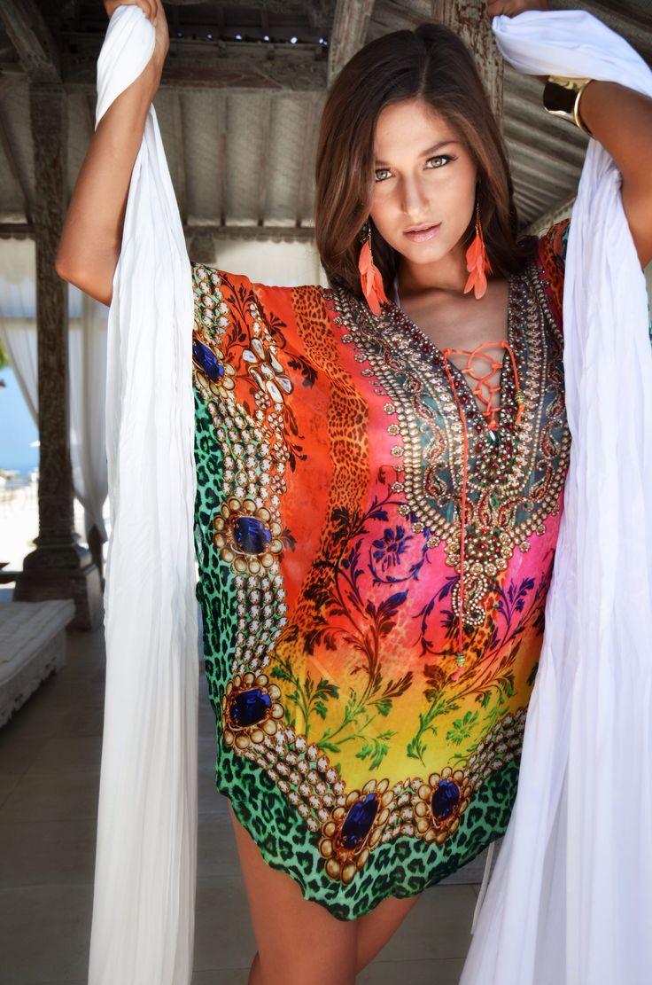 ARTURRO Ethnic Printed Tunic Available at ARTURRO Boutique-Bali Indonesia #resortwear #caftan #womensfashion #beach #arturroeggo #bali #tunic #fashion