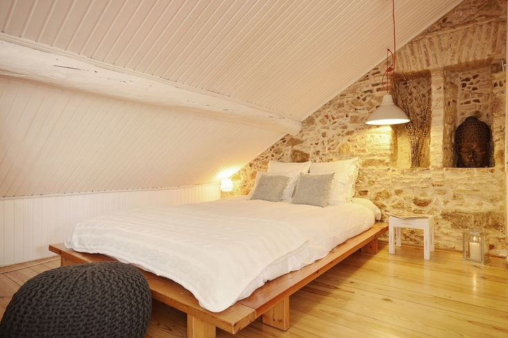 A unique studio apartment, tucked away in the historical centre of Lisbon, perfect for a romantic city escape.