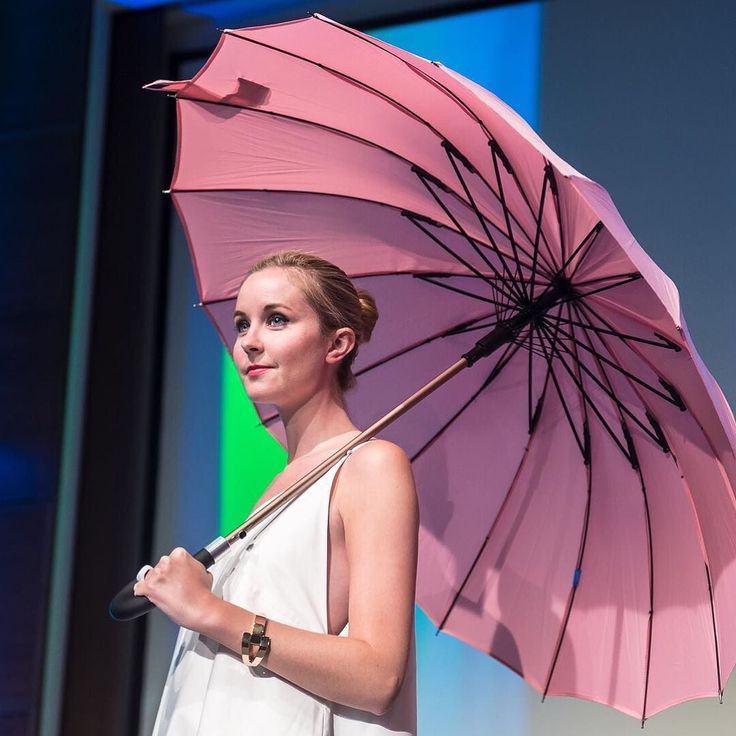 #TBT to when @_fashionsavage graced our runway at @wearewearables last month wearing @ouraring @kisha.umbrella @wisewear @kitandace