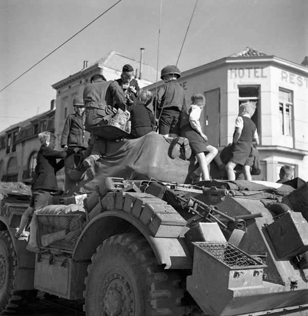 General motors staghound t 17e1 armoured car of the 12th for History of general motors