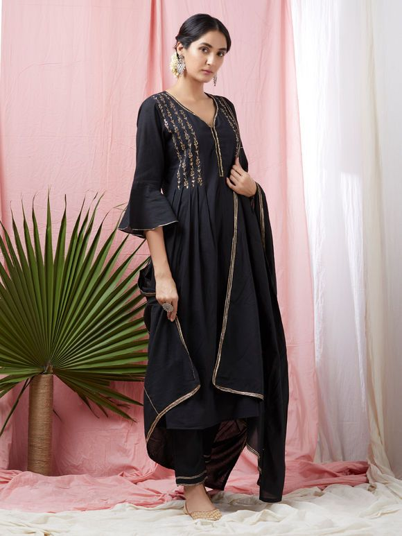 f4e1cffe4 Add a Charm to your Wardrobe with the best combination of Suit Sets - Hand  Printed   hand embroidered in the perfect cottons   Silks.