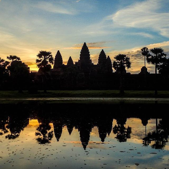 Angkor Wat, Cambodia Day 45: TOP TIPS FOR SUNRISE ☀️Get there early to get…