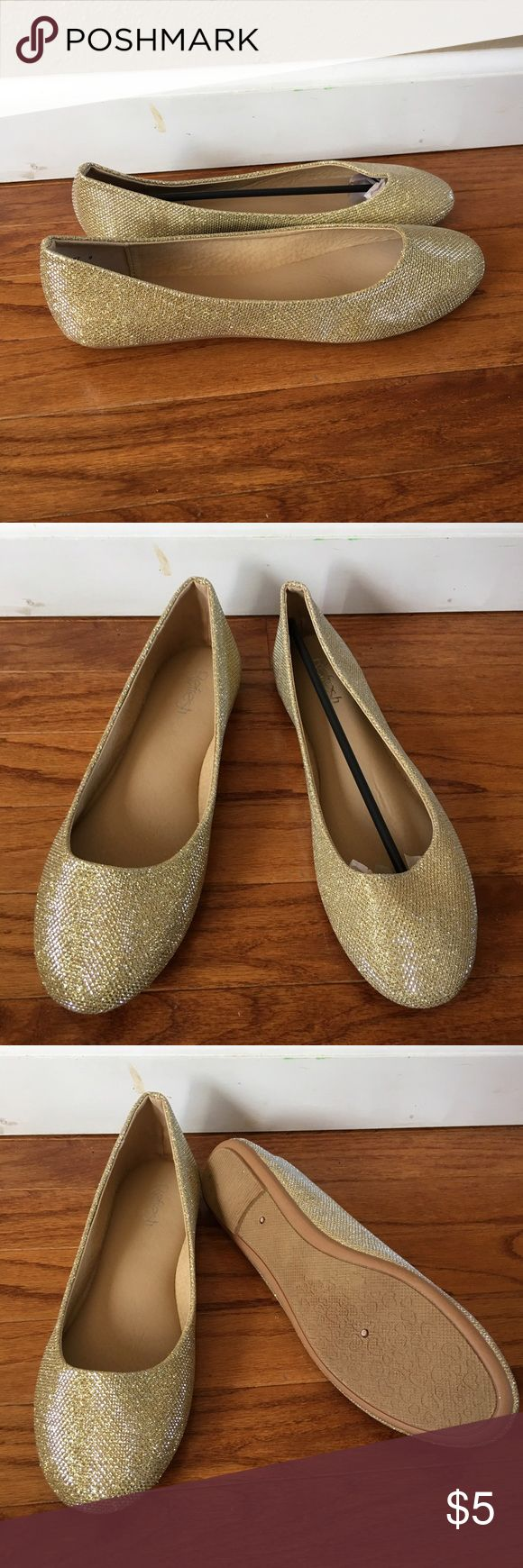 Gold sparkly shoes brand new Brand new gold sparkly shoes size 9 Shoes Flats & Loafers