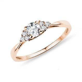 KLENOTA Diamond ring in rose gold.