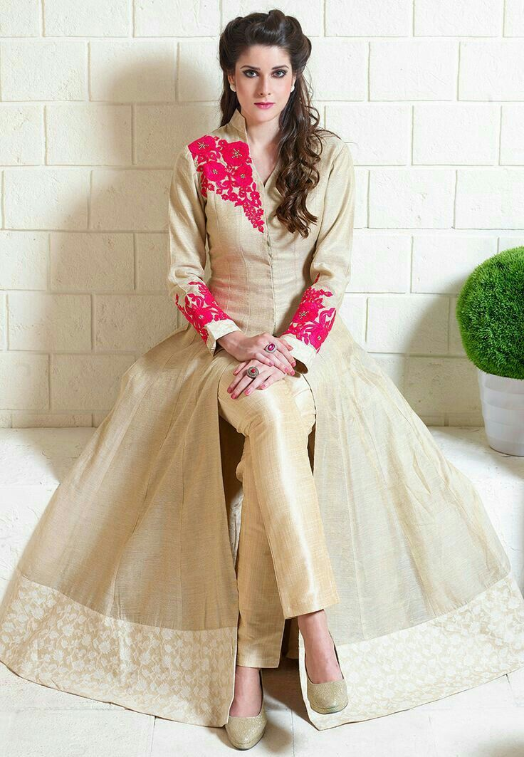 7853caa2ea Pin by Radhika Bakshi on Fashion   Anarkali suits, Trendy suits, Salwar  kameez