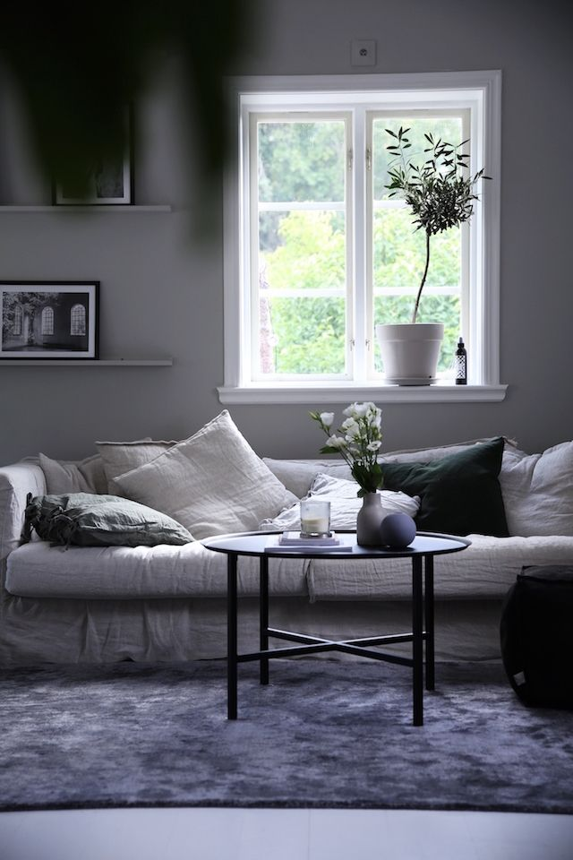 LOVING THIS HOME WHICH BELONGS TO SWEDISH INFLUENCER AND LIFESTYLE PHOTOGRAPHER, EMILY SLOTTE the colour palette and the pieces, equal perfection… take a peek CONNECT: blog: emsloo.thehappyhill.se instagram: instagram.com/emsloo shop: http://shop.thehappyhill.se we think you'll also love...home inspiration: SWEDISH APARTMENT LOVING THIS SWEDISH APARTMENT HOME TOUR perfect interior inspiration for the New Year {Source: Dustjacket Attic}home inspiration: …