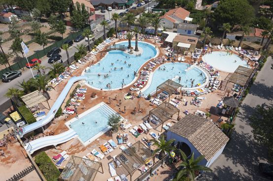Camping***** Les Méditerranées Beach Club Charlemeagne - Marseillan #Camping #Herault #Tourisme #Marseillan #Piscine #EspaceAquatique #ToboggansAquatiques