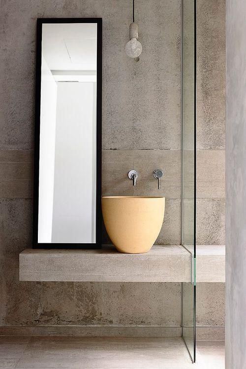 Modern. Minimalist Bathroom