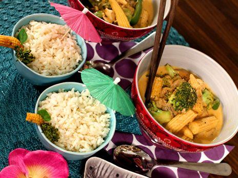 Thaigryta med röd curry, kokos och kyckling.